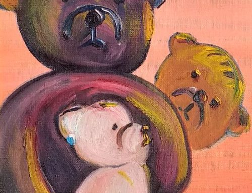 Teddy bears family at the beach